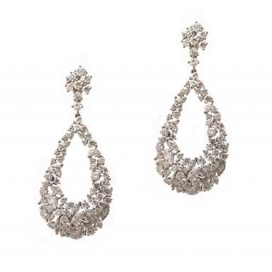 Show-stopping Hanging Diamond Earrings