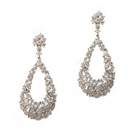 Show-stopping Hanging Diamond Earrings