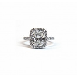 Elegant Cushion Cut Diamond Engagement Ring