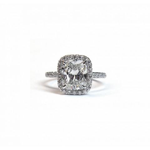 Elegant Cushion Cut Diamond Engagement Ring