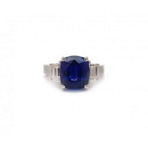6CT Sapphire and Trapezoid Cut Diamond Ring